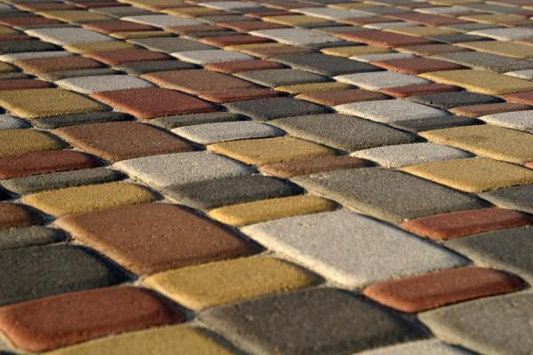 произведите осмотр приобретаемого материала, чтобы купить тротуарную плитку высокого качества!