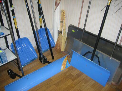 Инструменты для уборки снега спб