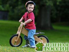 Как правильно научить малыша кататься на велосипеде?