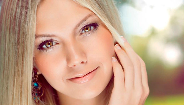 Косметологи нашли новый способ лечения закрытых комедонов на щеках