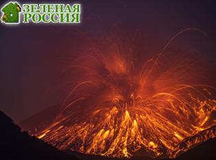 Лава и пепел: в Японии извергается вулкан Сакурадзима видео