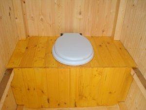Строим туалет на дачном участке