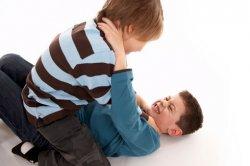 Газировка вызывают агрессию у подростков