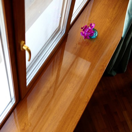 Преимущества использования окон из лиственницы
