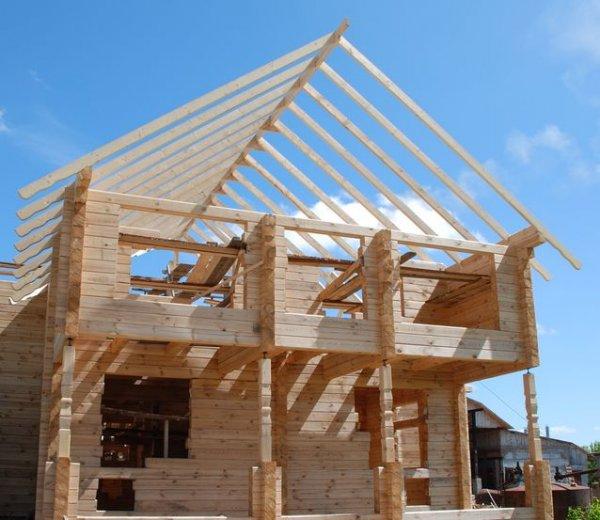 Строительством домов из профилированного бруса